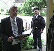 huisuitzetting deurwaarder en politie